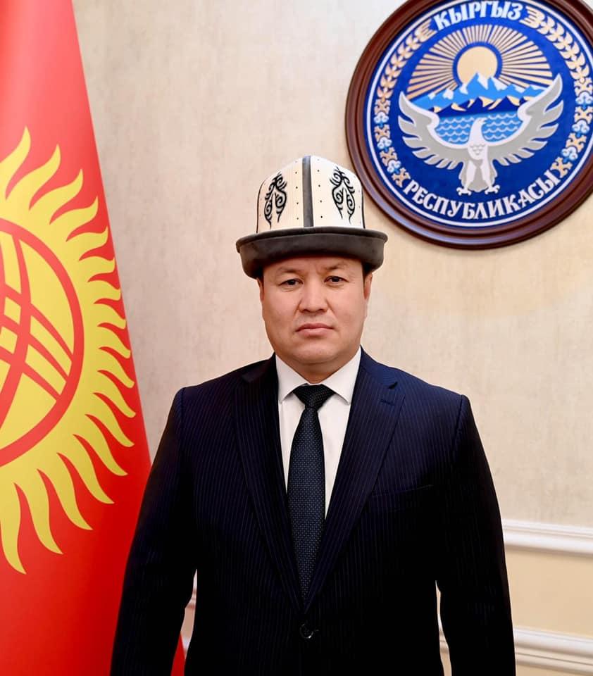 Жогорку Кеңештин төрагасы Талант Мамытов кыргызстандыктарды Ак калпак күнү менен куттуктады
