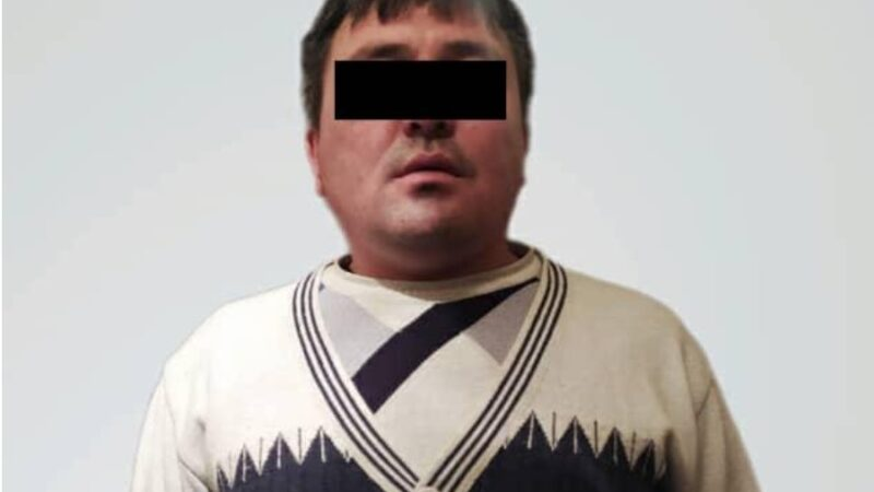 Кызыл-Кыяда жарандын уюлдук телефонун жана акчасын тартып алган шектүү кармалды