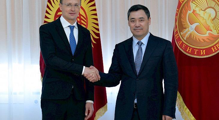 ПрезидентСадыр Жапаров  Венгриянын тышкы иштер жана соода министрин кабыл алды