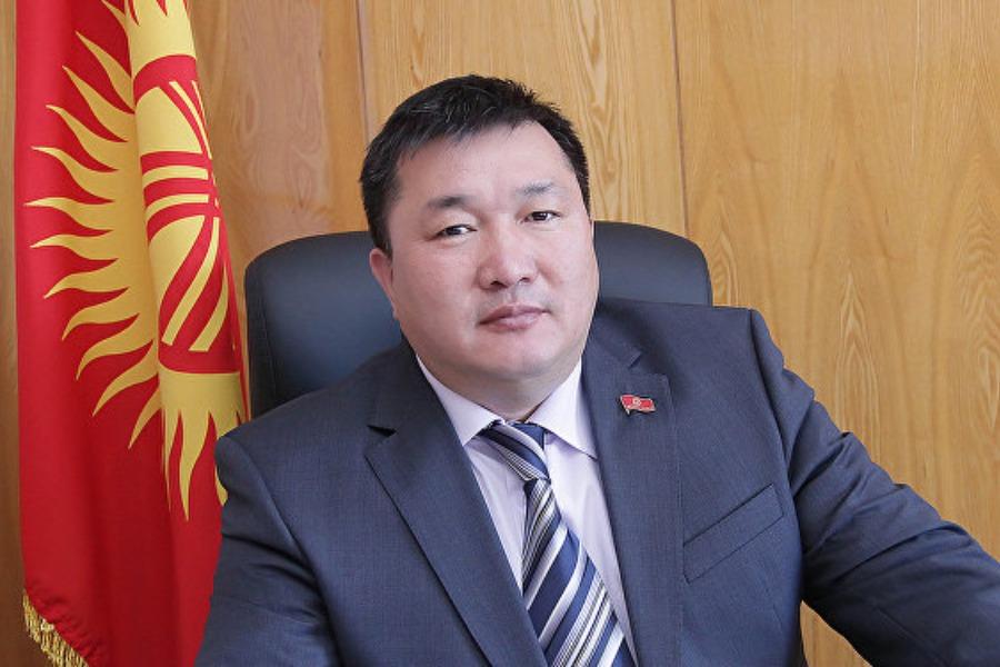 Президенттин ЖКдагы мурдагы өкүлү Курманбек Дыйканбаев үй камагына чыкты