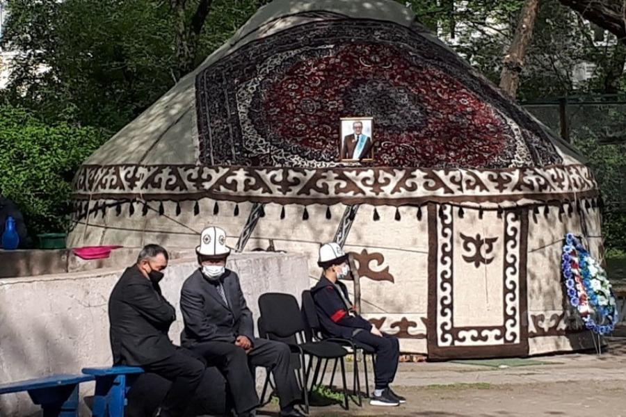 Кыргыз Эл жазуучусу Бексултан Жакиевди акыркы сапарга узатуу зыйнаты өтүүдө