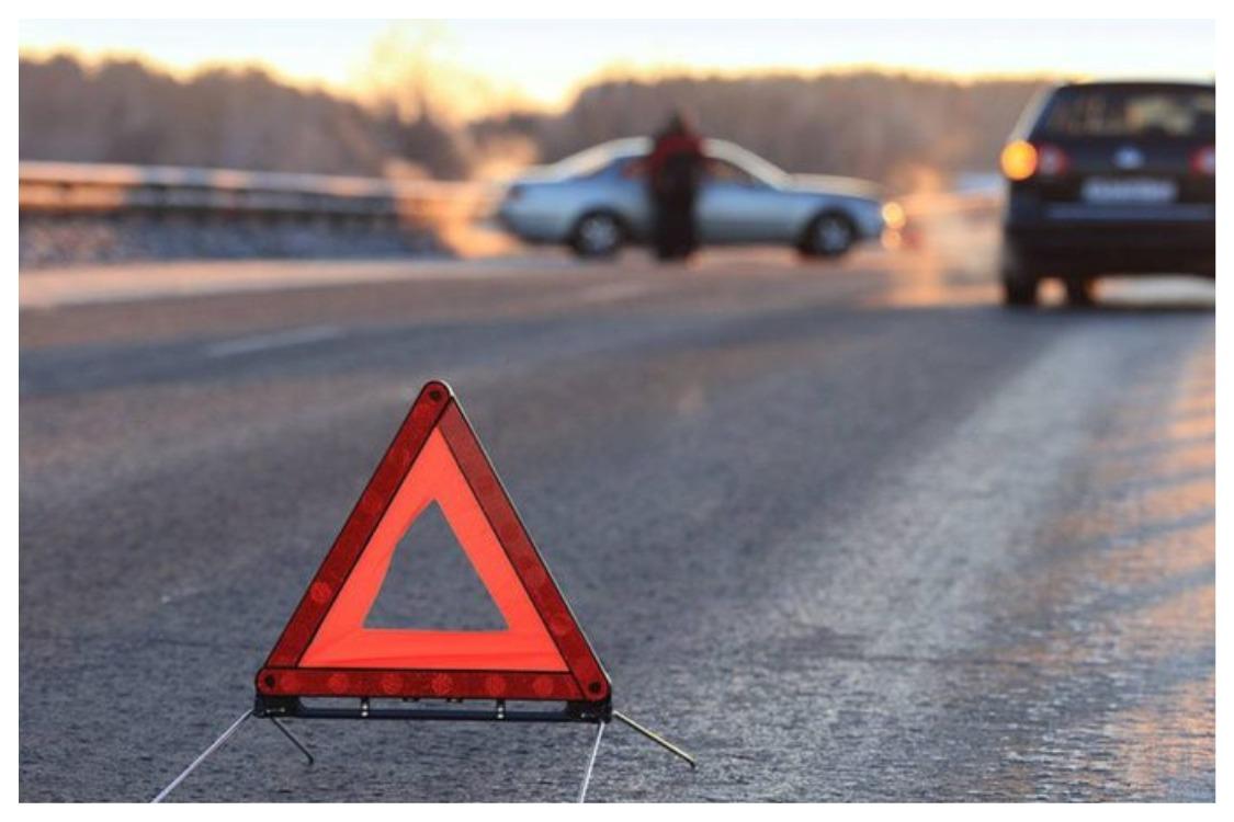 Бишкектеги жол кырсыктан эки айдоочу тең ооруканага жеткирилди