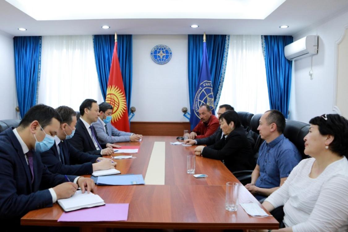 ТИМ чет өлкөлөрдөгү кыргызстандык мигранттардын маселелерин талкуулады