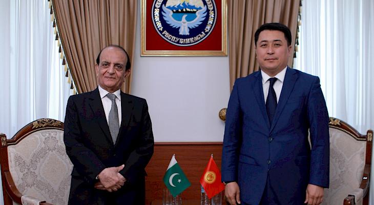 Кыргыз өкмөтү Пакистан аркылуу деңиз соодасына чыгууну көздөйт