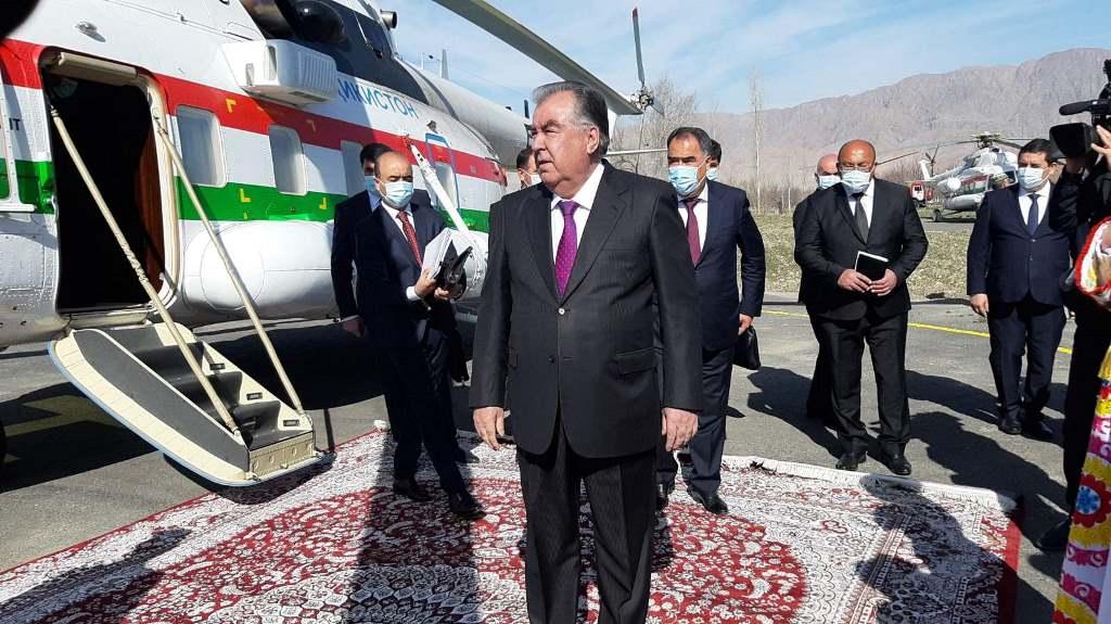 Эмомали Рахмон: Ворух анклавын алмашуу тууралуу сөз болушу мүмкүн эмес