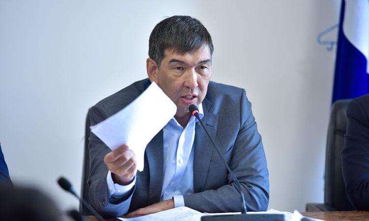 Экс-мэр Азиз Суракматов УКМК тарабынан кармалды