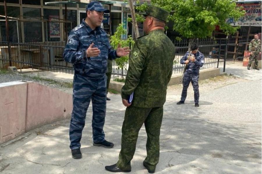 Кыргыз-тажик ИИМ орун басарлары Лейлекте жолугушту