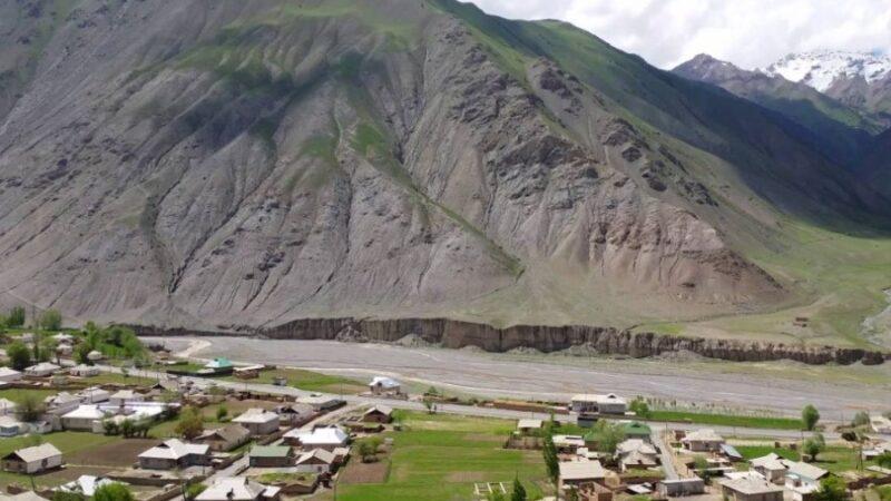 «Аймактан чыгып кеткиле!» Тажикстандагы кыргыздарга кысым көрсөтүлүүдө