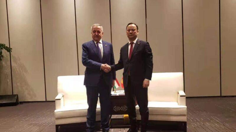 Кыргызстан менен Тажикстандын тышкы иштер министрлери эмнени талкуулашты?