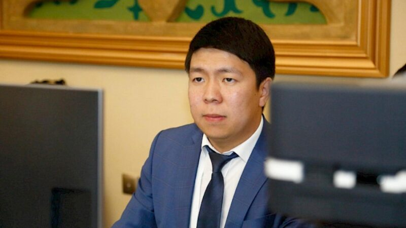 Эрбол Султанбаев президенттин басма сөз катчысы болуп дайындалды