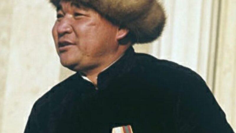 Бейге фонду 1 млн. Эстебес Турсуналиевдин 90 жылдыгына карата төкмө акындар сынагы өтөт