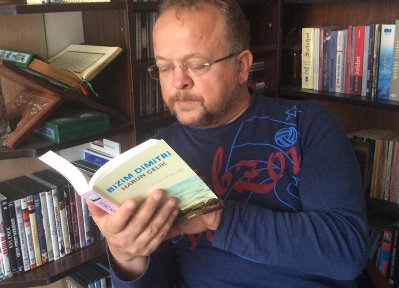 Түркиялык жазуучу, коомдук ишмер Харун Челик Баткен окуясы боюнча оюн жазды