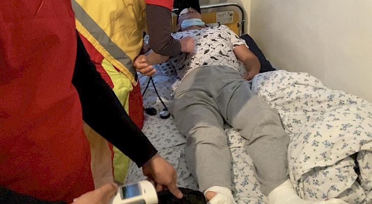 Көзүнө ок жеген Интернационал айылынын тургуну операция жасатуу үчүн Түркияга кетти