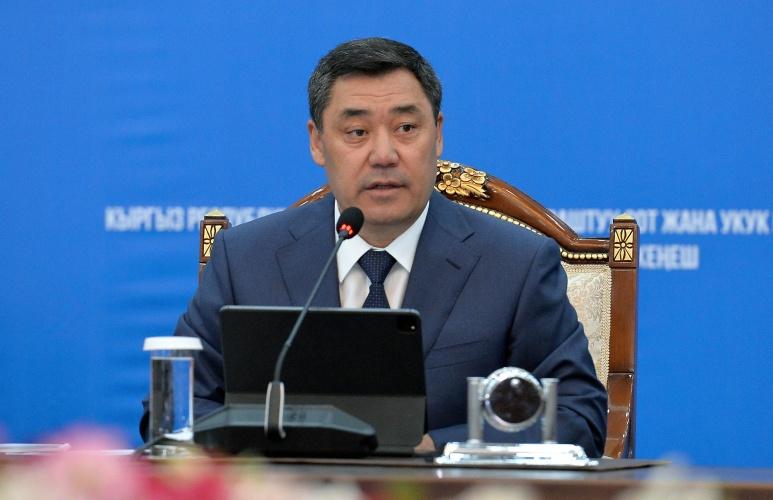 Президент Садыр Жапаров: Мамлекеттик айыптоочулар жана судьялар атаандаштык шартта иштөөнү үйрөнүшү керек