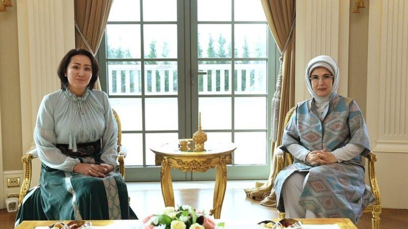 Эмина Эрдоган: Айгүл Жапарованы коноктогонума кубанычта болдум