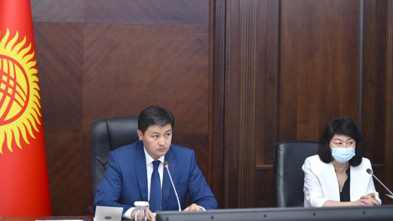 Марипов: Бишкекте 121 сом турган дары, Таласта 950 сом экен, департамент эмне иш кылууда?