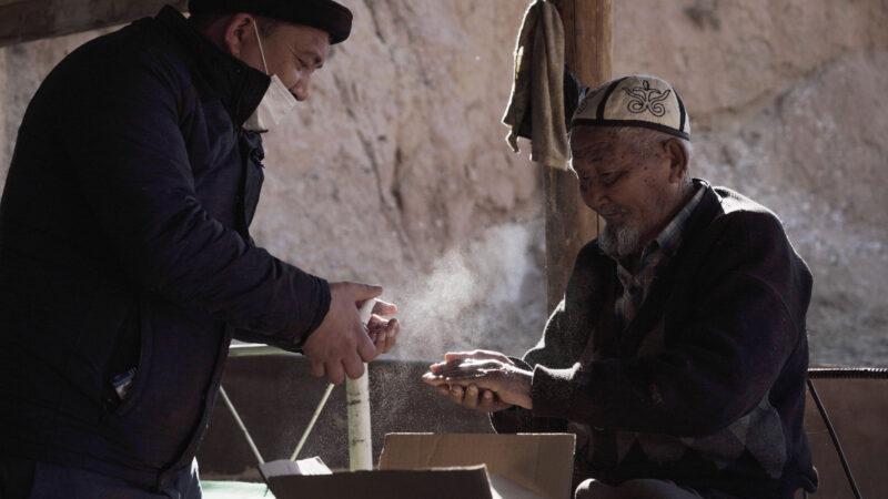 Время активных граждан\ История Алмаза Рахманова, который стал сыном для 215 пожилых людей в Исфане