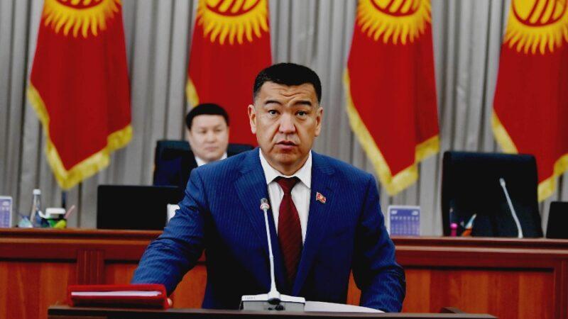Нурбек Мурашев парламентте ант берип, өзүнүн ыйгарым укуктарын аткарууга киришти