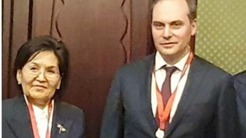 Россиядагы элчи Гүлнара-Клара Самат Мордовиянын башчысы менен жолугушту