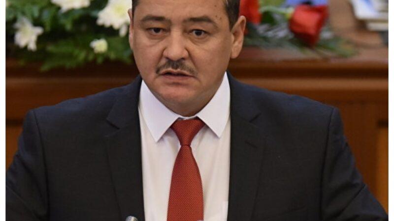 Жогорку Кеңештин депутаты Нодирбек Каримов Өзгөн шаарынын мэри болуп шайланды