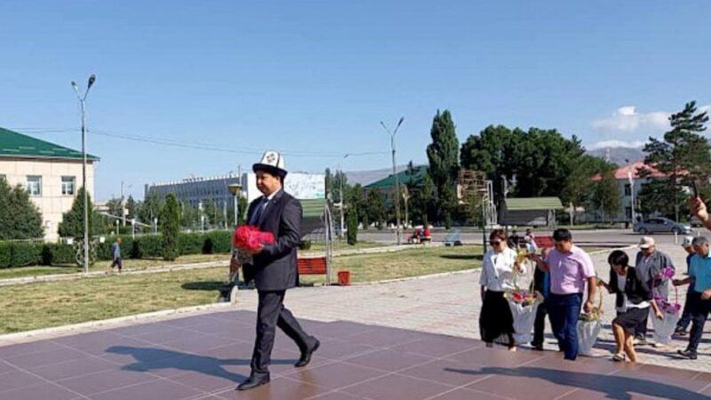 Таласта залкар жазуучу Чыңгыз Айтматовду эскерүү иш-чарасы өттү