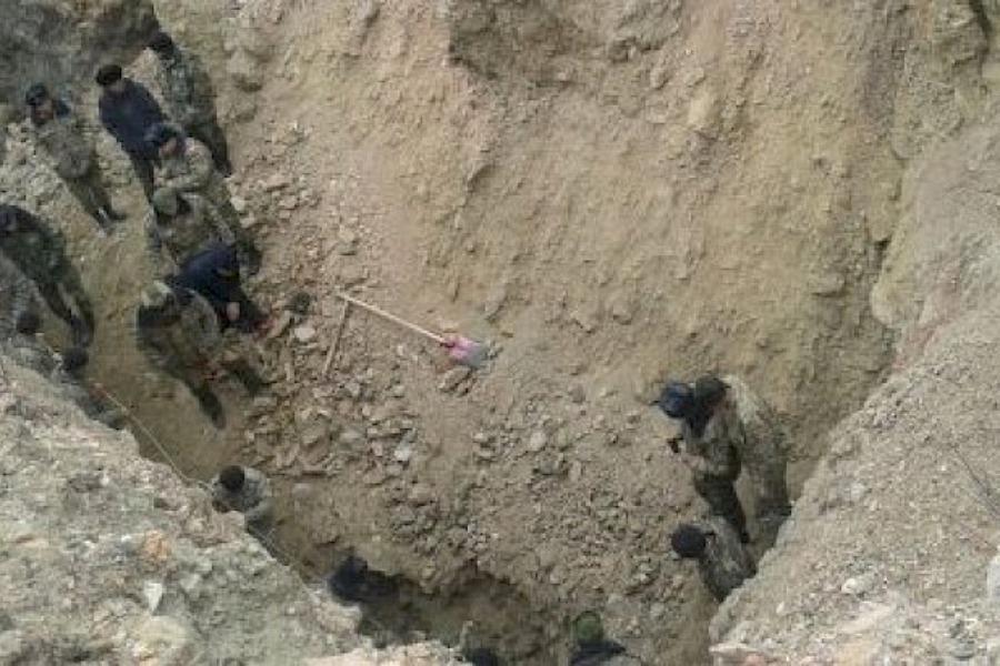Каракалпакстанда төрт кишини топурак басып калып, 3 жаран мерт кетти