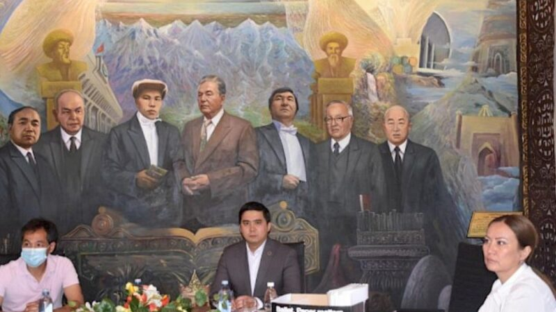 Адвокаттык иш жүргүзүү үчүн 8 талапкер лицензияга ээ болду