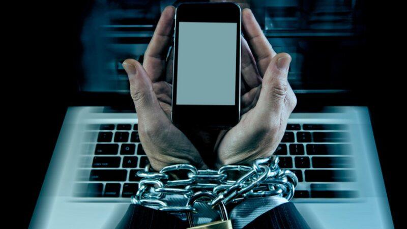 Невролог: смартфондун кесепетенен «пингвин синдромуна» кабылгандар көп