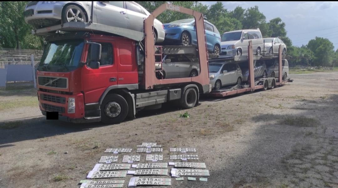 Армениянын жасалма документи менен Абхазиядан 8 унаа алып келген жаран кармалды