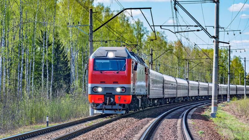 Билет баасы 69 сом. Бишкек — Балыкчы каттамы боюнча поезд каттай баштады