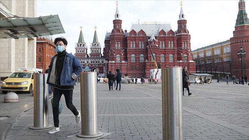 Путин 15- июлга чейин мигранттарды вацинациядан өткөрүүнү тапшырды