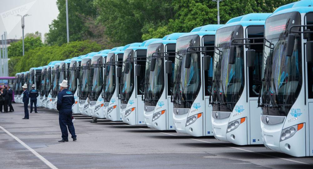 Өзүбүздө 2 завод турса, Бишкек мэриясы автобустарды эмне үчүн сырттан сатып алам дейт?