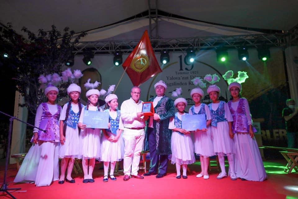 Туркияда өткөн эл аралык фестивалда Азиз Батыровдун шакирттери жеңүүчү болду