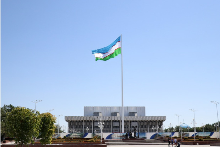 Өзбекстанда «Темир дептерге» кирген ар бир балага 500миң сумдан жөлөк пул берилет