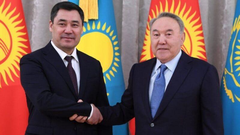 Президент Жапаров Нурсултан Назарбаевди телефон аркылуу куттуктады