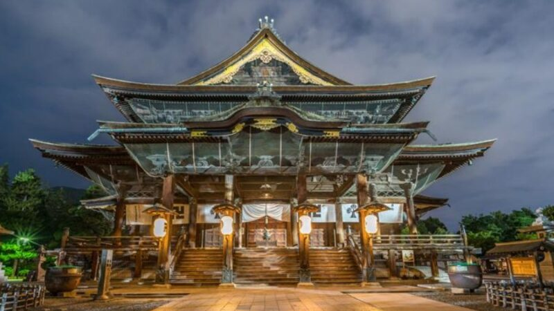 Япония дүйнө боюнча мамлекеттик карызы эң көп өлкө катары аталды