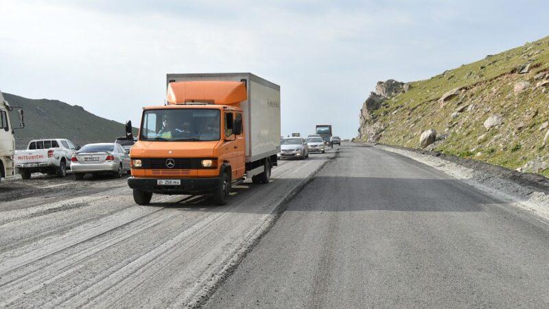 Марипов: Бишкек-Ош унаа жолундагы тыгын менин келүүмө байланыштуу эмес