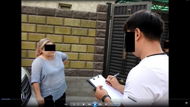 Бишкекте «Эмгек» партиясынын талапкери добуш сатып алуу фактысы менен кармалды