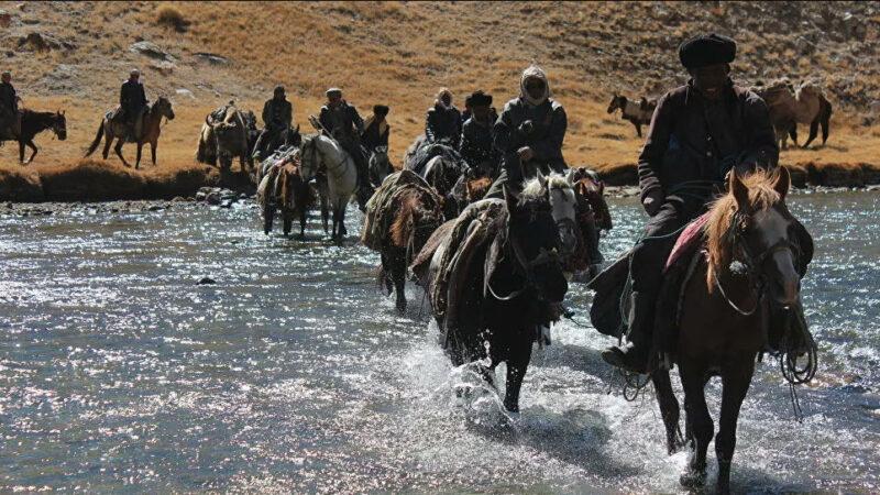 Тажикстан Афганстандан качкан памирлик кыргыздарды артка кайтарды