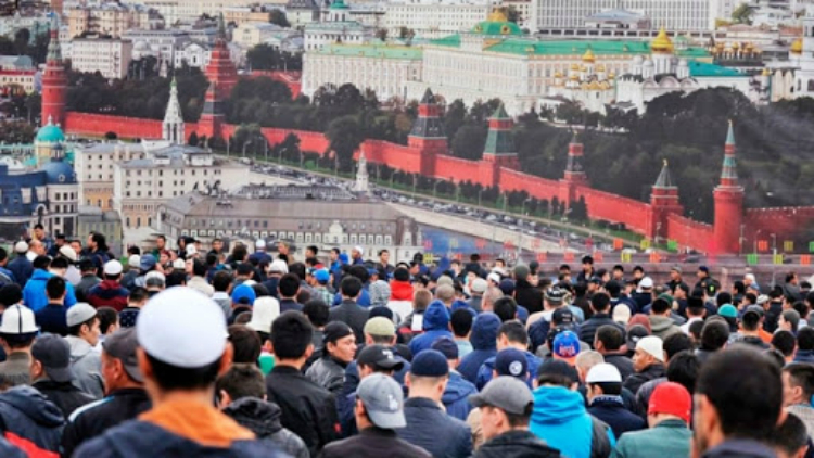 Мигранттардын эсине; 10-июлдан Россиянын аймагына кирүү шарттары өзгөрөт