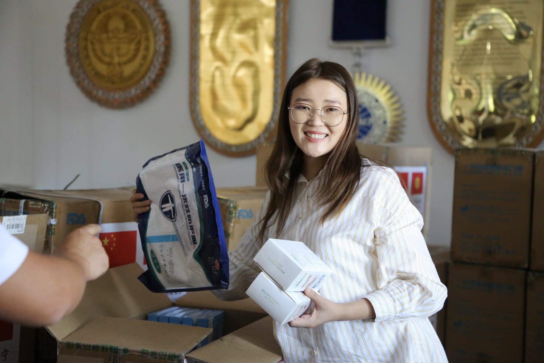 Ошко Кытайдын Синин шаарынан медициналык каражаттар жардамга келди