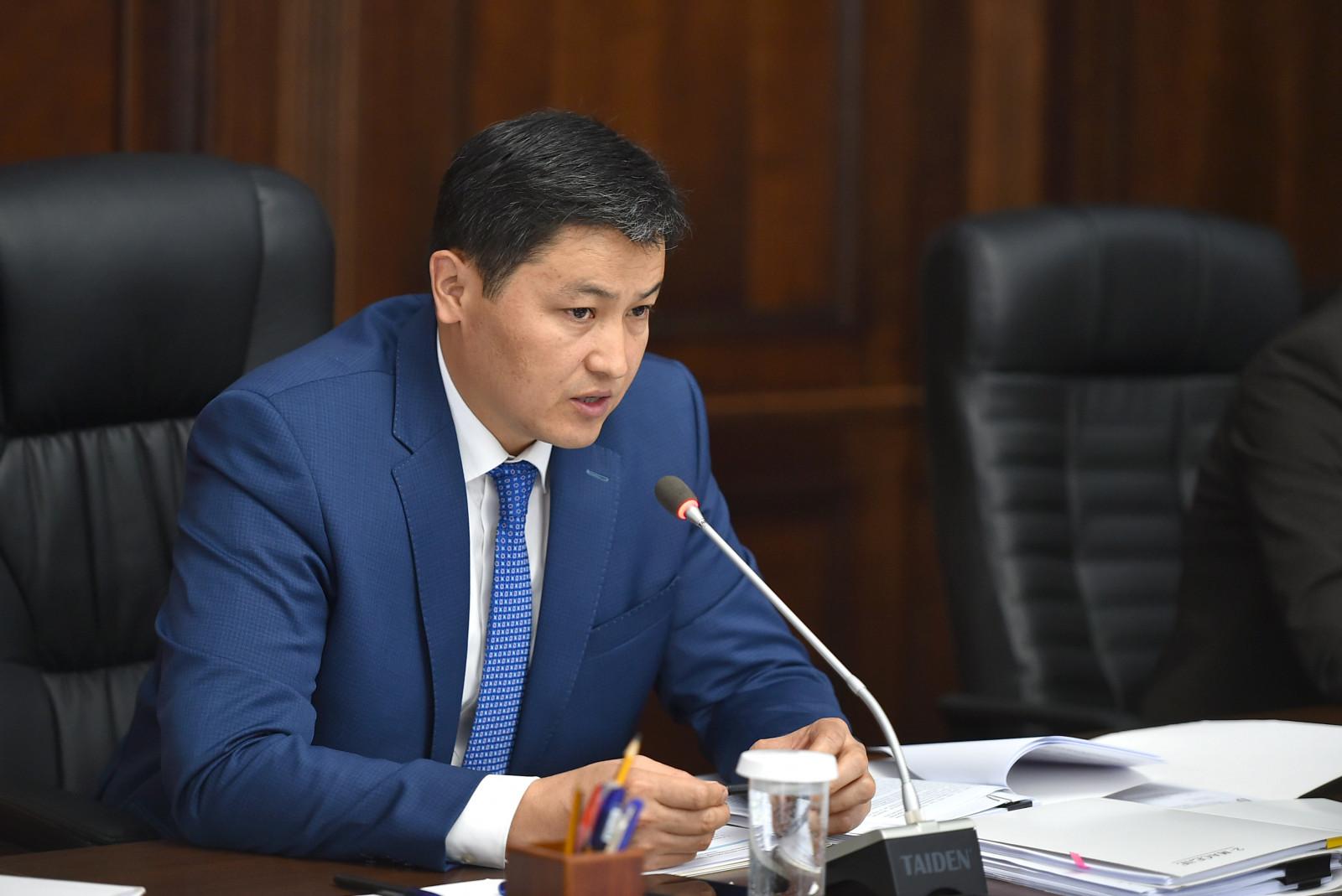 Марипов: Экономикада оң жылыштар бар, бирок чече турган маселелер дагы арбын