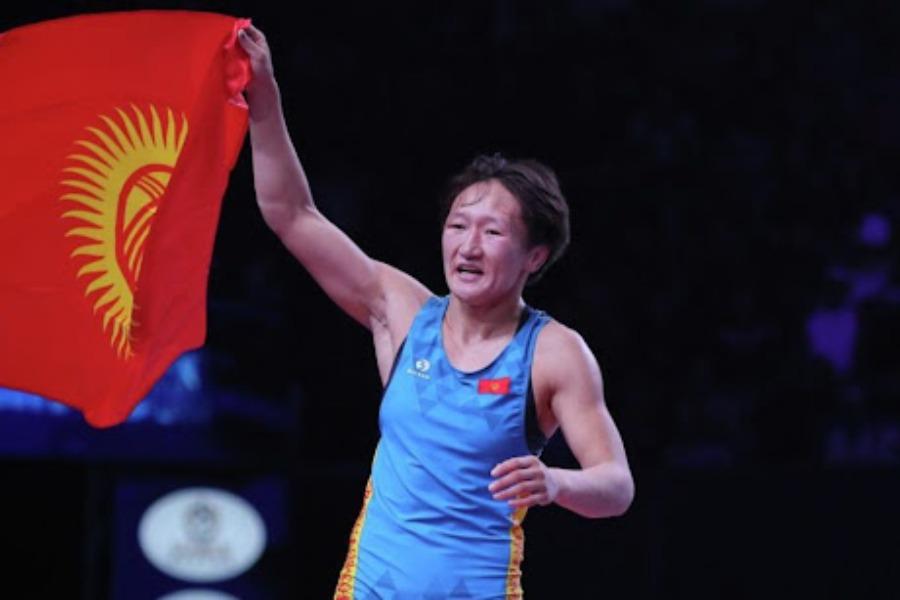 Айсулуу Тыныбекова атаандашын 10:0 менен жеңип, финалга чыкты