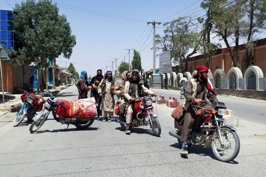Талибдер Афганистандын 75%ын басып алышты, ал эми президенти отставкага кетет