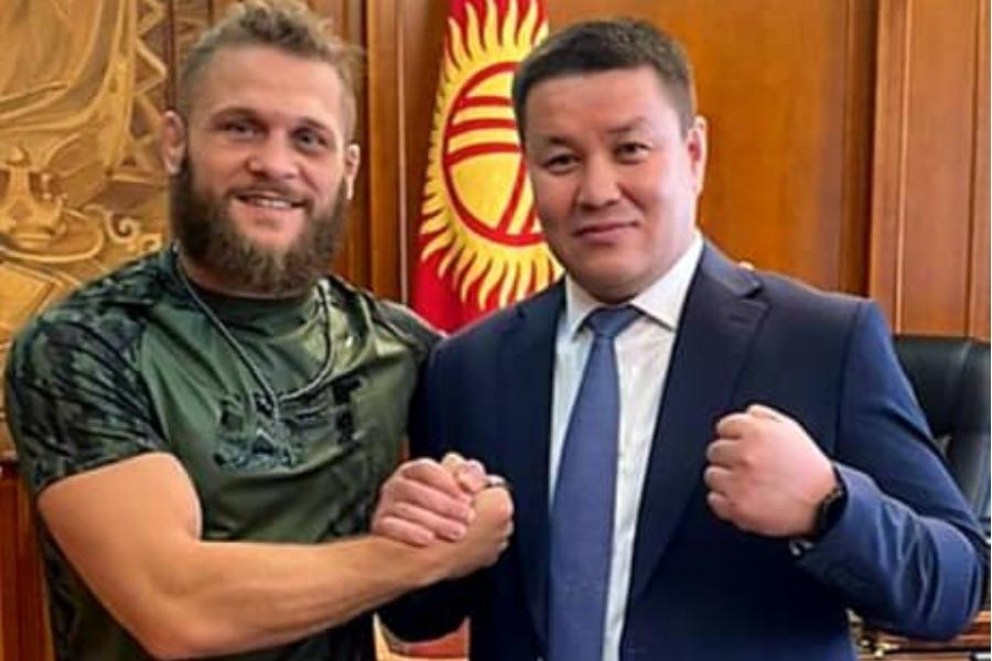 Төрага Талант Мамытов Рафаэль Физиевди кабыл алып, жеңиши менен куттуктады