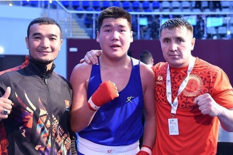 Кыргызстандык спортчу БАЭде өткөн бокс боюнча Азия чемпионатында коло медалга ээ болду