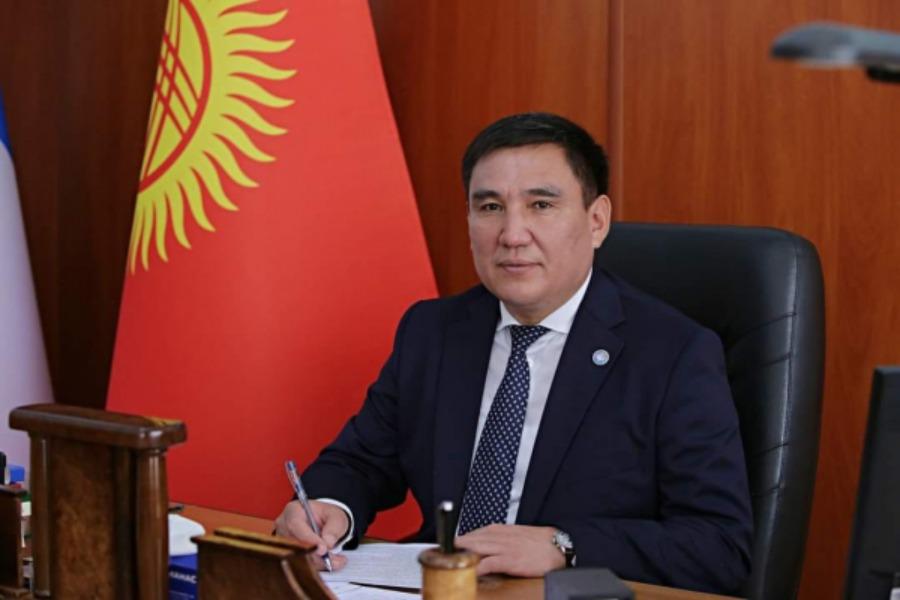 Таалайбек Сарыбашов Бишкек шаарынын мэрлигинен кетип, сындагандарга алкыш айтты