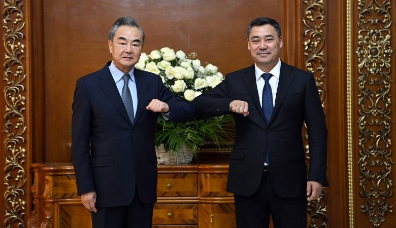 Кытай Кыргызстанга 100 млн доллар жана 1 млн вакцина берүүгө даяр