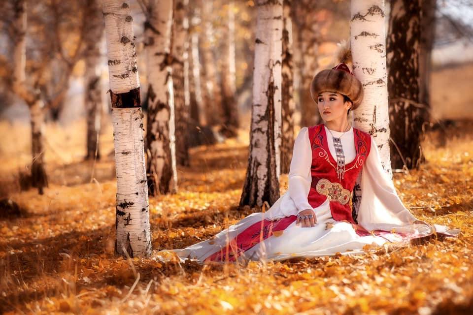 Айсулуу Тыныбекова: Эне тилин билүү — улутуңа жана тегиңе болгон урмат-сыйдын белгиси