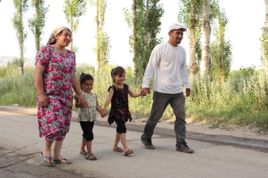Кыргызстандын окуу жайларында тажиктер эркин окуй алышабы? Расмий жооп